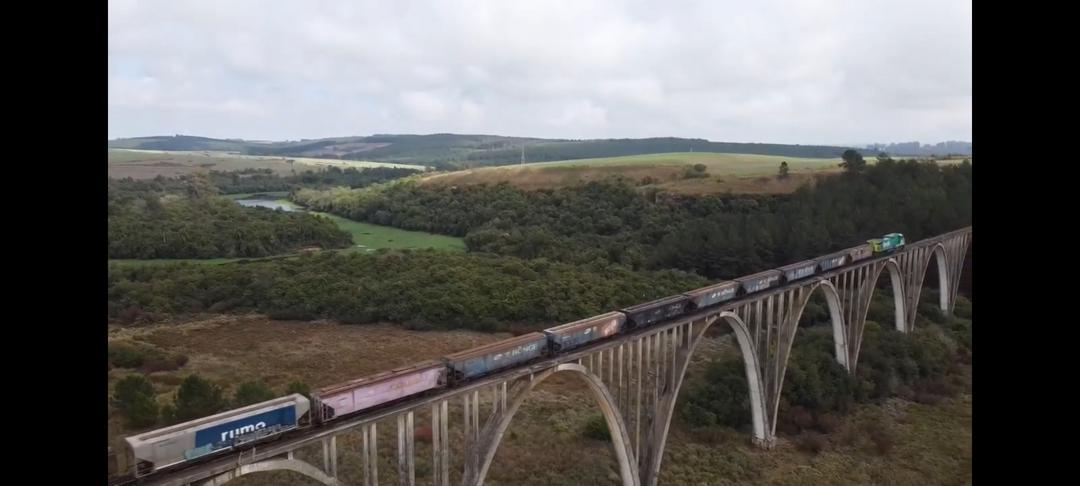 Drone na ponte dos arcos - vídeo clipe