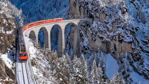 Passeios incríveis de trem pela Suíça